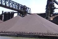 疯狂的钢铁:铁矿石价格暴涨 贸易商囤货码头