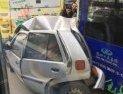 小车被撞成夹心饼干