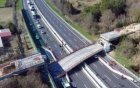 意大利一公路桥发生坍塌
