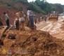 2017年7月12日下午4点半左右,广西柳州市三江侗族自治县龙吉大道往县城方向靠近西游路口突发山体塌方,多辆车被埋。