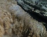 黄河壶口瀑布场面壮观