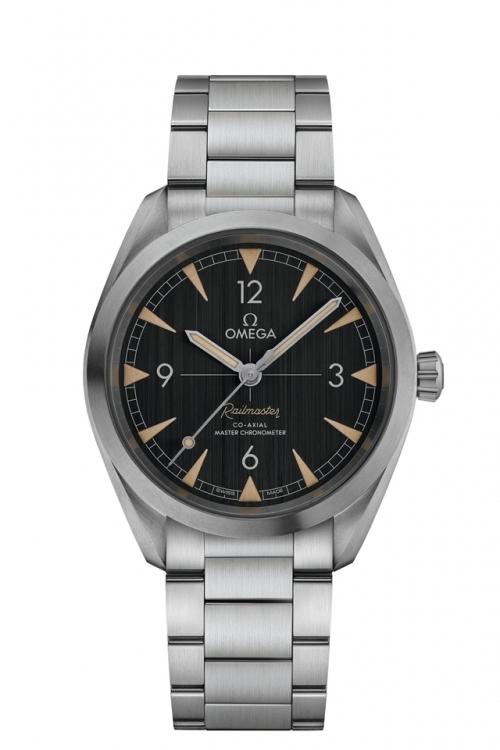 欧米茄全新铁霸腕表-黑色表盘搭配精钢表链,图片来源omega。