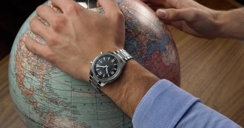Jaeger-LeCoultre 积家北宸系列日历腕表,图片来源于积家。