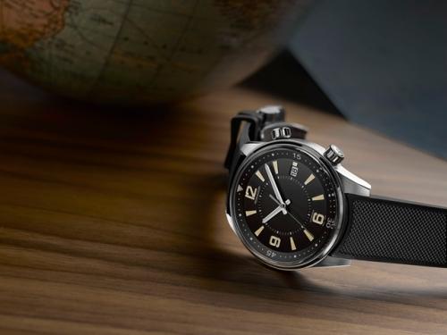 积家北宸系列日历腕表,售价6万,图片来源于积家。