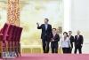 3月20日,国务院总理李克强和副总理韩正、孙春兰、胡春华、刘鹤在北京人民大会堂与中外记者见面,并回答记者提问。 新华社记者 燕雁摄