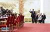 3月20日,国务院总理李克强和副总理韩正、孙春兰、胡春华、刘鹤在北京人民大会堂与中外记者见面,并回答记者提问。 新华社记者 王晔摄