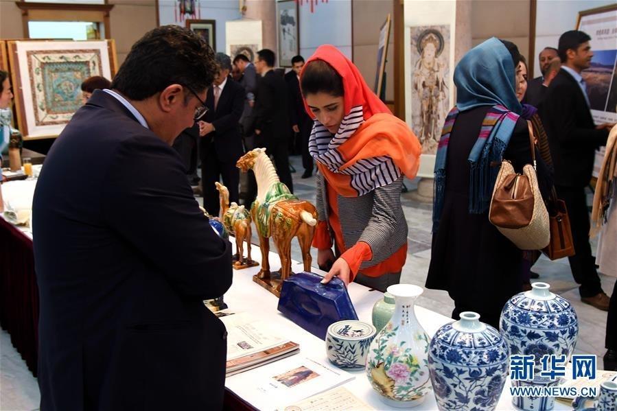 """""""丝绸之路文化之夜""""艺术展在阿富汗举行"""