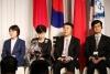 人民日报社编委委员、秘书长乔永清与其他嘉宾在一起(许永新 摄)