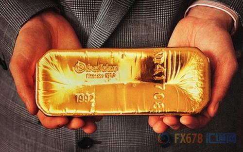 黄金对债券收益率和美元走高都很敏感——美元走强会使持有外币的人购买黄金价格上升,同时美国利率上升,提振黄金持有的机会成本。
