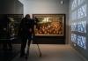 5月3日,在德国特里尔的莱茵流域州立博物馆,一名媒体记者拍摄马克思主题展。新华社记者单宇琦摄