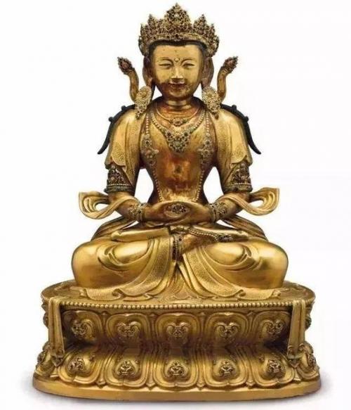 ▲ 康熙 御制鎏金铜无量寿佛像 估价40—60万美元