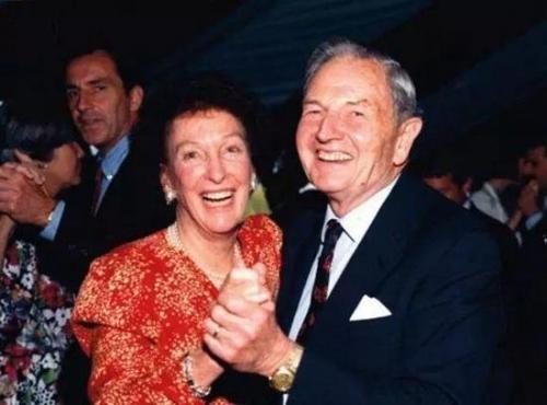 ▲ 戴维·洛克菲勒及妻子佩吉