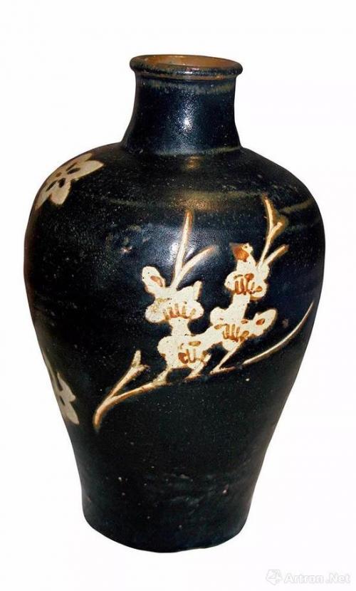 南宋吉州窑黑陶剔花梅瓶