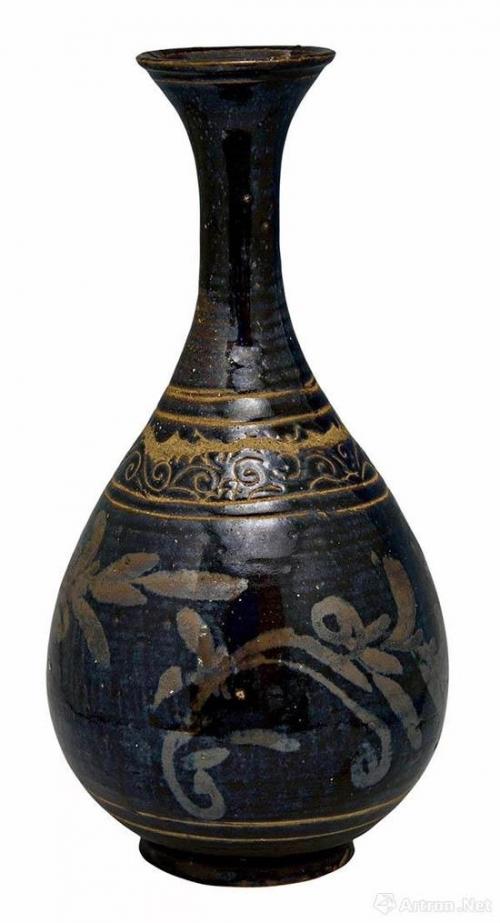 金磁州窑系黑釉铁绣花加剔刻纹玉壶春瓶