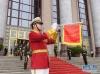 这是6月6日在欢迎仪式上拍摄的小号手。仪式增加了1名小号手和1名军鼓手。 新华社记者 李学仁 摄