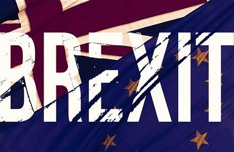 分析人士指出,即便只有较小程度的反对,特蕾莎·梅很可能也无法承受,因为她在下议院无法自动获得多数席位。如果她被击败,英国提前选举的风险就会增加,这将使英国脱欧进程陷入混乱,并可能催生工党政府。如果她被迫改变处理脱欧问题的方式,并维持与欧盟更加紧密的关系,其首相宝座很可能面临党内脱欧支持者的挑战。