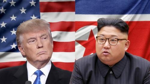 美国国务卿蓬佩奥7日在白宫记者会上表示,美朝在如何实现半岛无核化问题上的分歧有所缩小,但是美方依然要求朝鲜进行完全、可验证和不可逆的去核。特朗普周六则指出,这场会晤将更像是为了与金正恩建立一种关系,为日后的协商打下基础,而协商过程将包含不只一场峰会。