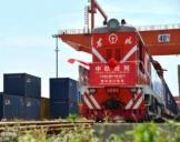 首趟中欧班列整车进口专列抵达西安