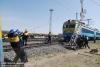 6月21日,集宁机务段救援小分队救援小分队架设接触网简易支柱。