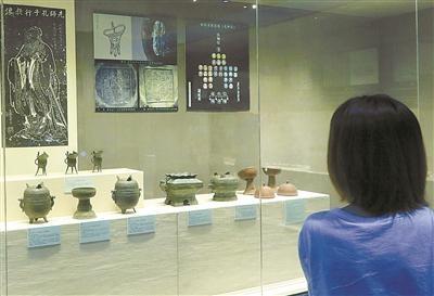 图为宁波孔庙祭祀礼乐器展现场(周建平 摄)