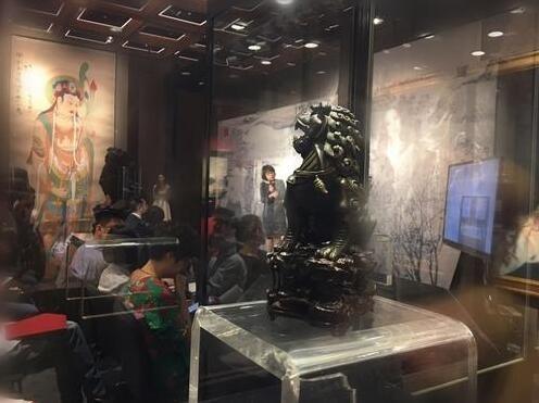 艺术展览现场 安仁摄
