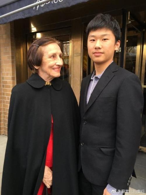 Carson Guo (右)与毕加索的情人、艺术家- Gilot
