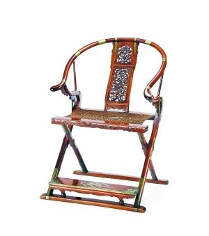 明末清初黄花梨麒麟寿字纹圈背交椅 2737万元 北京保利