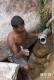 3月2日,在斯里兰卡拉特纳普勒,一名矿工在一口宝石矿井出口处作业。新华社记者陈占杰摄